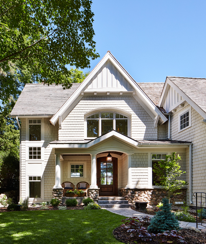 Neutral shingle home exterior. I love the architectural details of this neutral shingle home. It's classic and timeless. Roof is cedar shake. shingle-home-exterior Neutral shingle home exterior #Neutralshinglehomeexterior #Neutralexteriors #shinglehomeexterior Vivid Interior Design. Hendel Homes