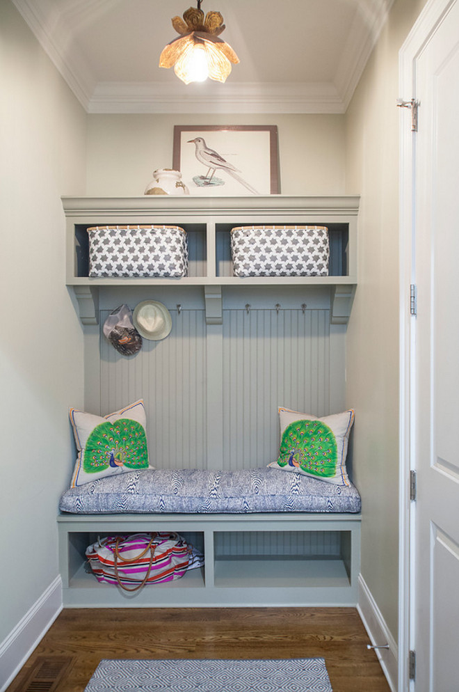 Small Mudroom. Small Mudroom Ideas. Small Mudroom. Small Mudroom #SmallMudroom #mudroom small-mudroom Lisa Sherry Interieurs (Home Design & Decor Magazine)