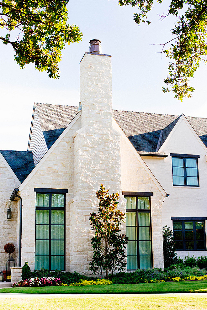 "Exterior stone. The exterior stone is ""Cottonwood"". #Exteriorstone #exterior #stone #cottonwoodstone #cottonwood #stone Home Bunch's Beautiful Homes of Instagram curlsandcashmere"