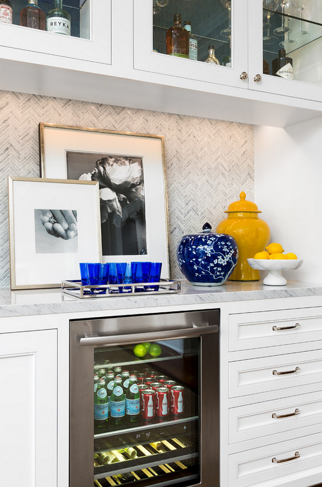 Under cabinet lighting. Wet bar with Under cabinet lighting and Walker Zanger Lounge mosaic tile. Under cabinet lighting. #Undercabinetlighting Robert Frank Interiors. Clark Dugger Photography