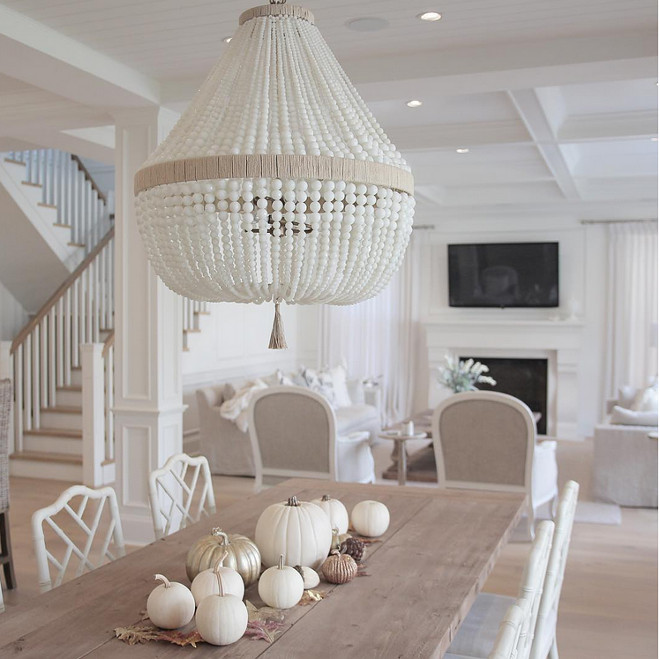 white-and-metallic-pumpkins-and-dry-leaves-as-table-centerpiece-jshomedesign-via-instagram