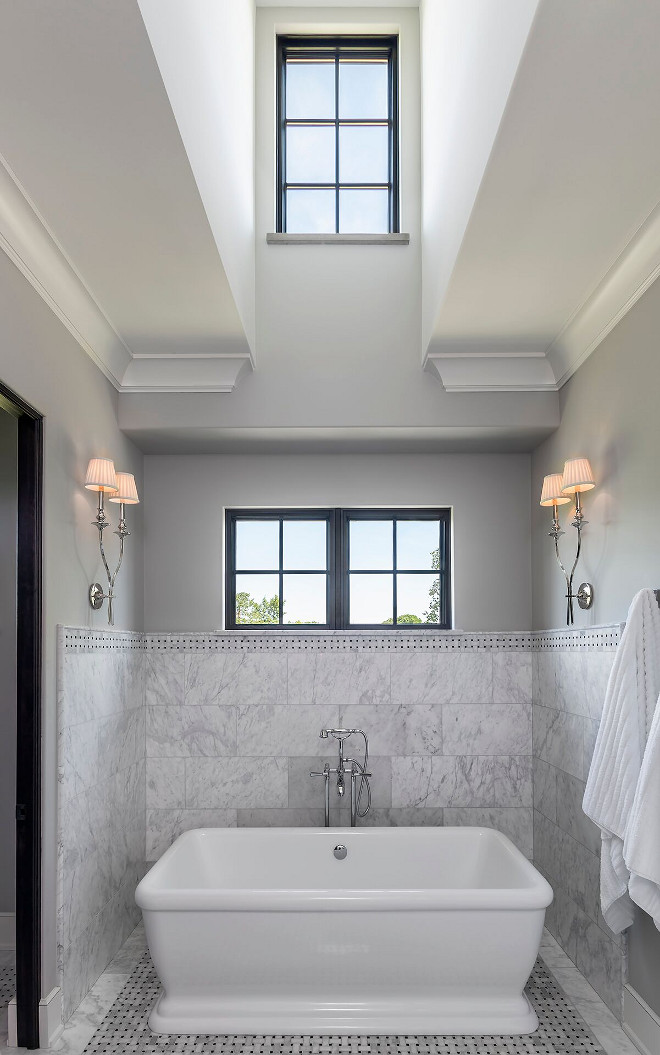 Bath Nook. Traditional bathroom with bath nook. Bath nook #Traditionalbathroom #bathnook #tubnook Hendel Homes