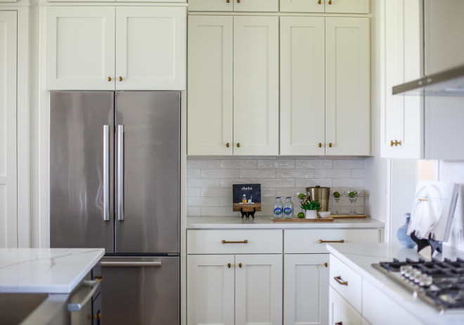 Benjamin Moore China White. Benjamin Moore China White. White kitchen cabinet paint color Benjamin Moore China White. #BenjaminMooreChinaWhite #whitekitchencabinetpaintcolor #whitepaintcolor #BenjaminMoorewhite benjamin-moore-china-white Cottage Home Company