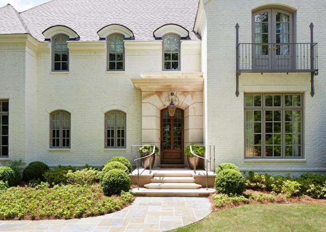 Creamy white brick exterior. Creamy white brick exterior paint color ideas. Creamy white brick exterior #Creamywhitebrickexterior Shayelyn Woodbery Interiors, LLC.