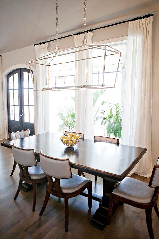 Darlana Linear Chandelier. The chandelier hanging over the table is Darlana Linear Chandelier from Visual Comfort. #Darlana #linearchandelier #visualcomfort darlana-linear-chandelier Ivy House Interiors