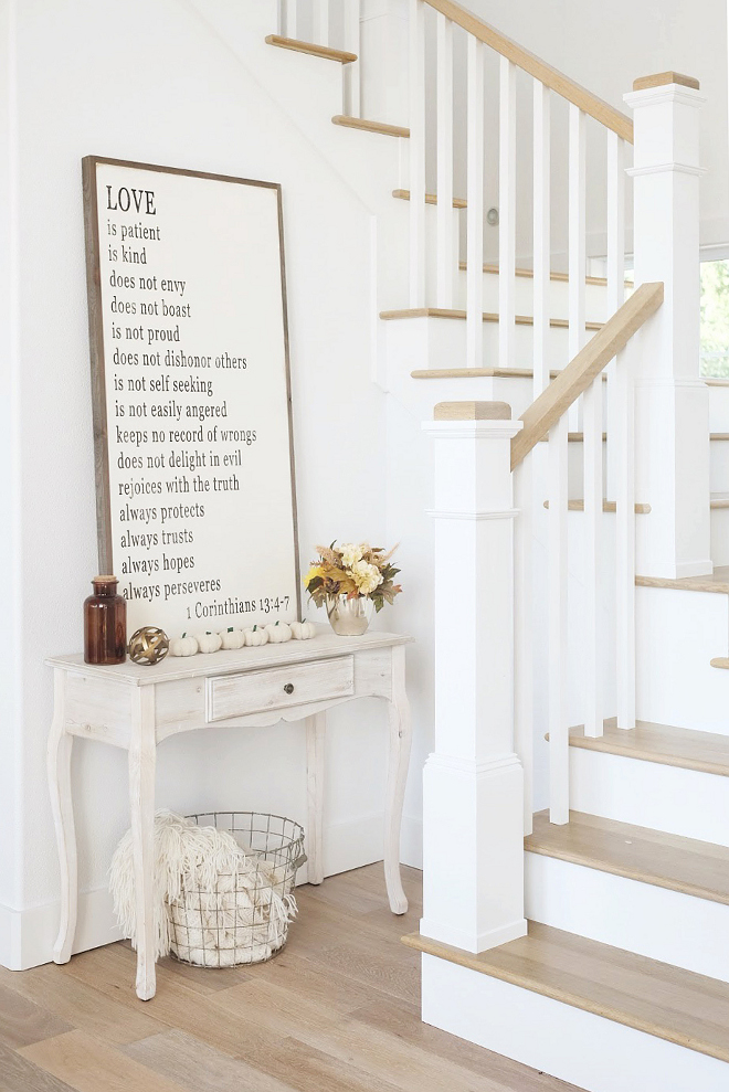 Sherwin Williams Extra White. Crisp white paint color perfect for walls and trims. Sherwin Williams Extra White #SherwinWilliamsExtrawhite #crispwhite #whitepaintcolor #paintcolor Beautiful Homes of Instagram @nc_homedesign via Home Bunch