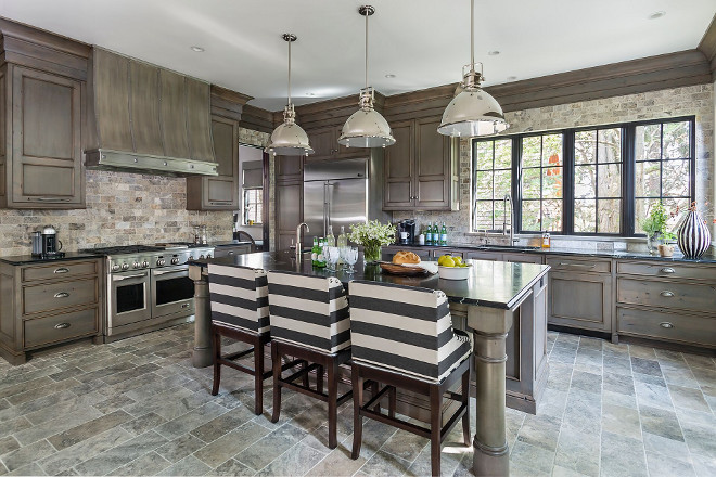 French Kitchen. French Kitchen Design. What a refreshing take on kitchen design! Isn't this space inspiring?! #Frenchkitchen #Frenchkitchendesign #French #kitchen french-kitchen-layout Hendel Homes