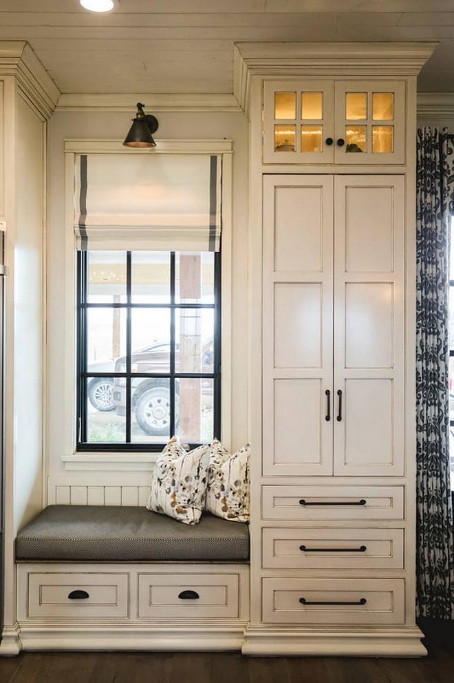 Glazed White Cabinets. Benjamin Moore White Dove with Vandyke glaze. Glazed White Cabinets. Benjamin Moore White Dove with Vandyke glaze. Glazed White Cabinets. #GlazedWhiteCabinets glazed-white-cabinets Alicia Zupan