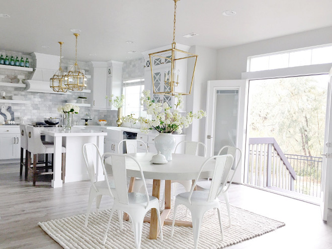 Kitchen. Popular Kitchen. Popular kitchen. Popular white kitchen. kitchen #kitchen #popularkitchen #kitchens Home Bunch's Beautiful Homes of Instagram janscarpino