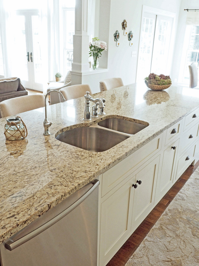 Granite countertop. Ivory kitchen with granite countertop. Granite is Venetian Gold Light. #Ivorykitchen #kitchencountertop #granitecountertop #Granite #VenetianGoldLight Home Bunch Beautiful Homes of Instagram wowilovethat