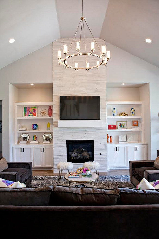 Living room lighting. The chandelier was picked out by the clients but similar chandeliers can be found at Shades of Light. #livingroom 3lighting #light #chandelier living-room-lighting Ivy house Interiors