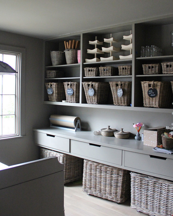 Pantry. Gray pantry with grey cabinets, open shelves with rattan baskets and light hardwood floors. #Pantry #Graypantry #graycabnets #openshelves #rattanbaskets pantry Ruard Veltman Architecture