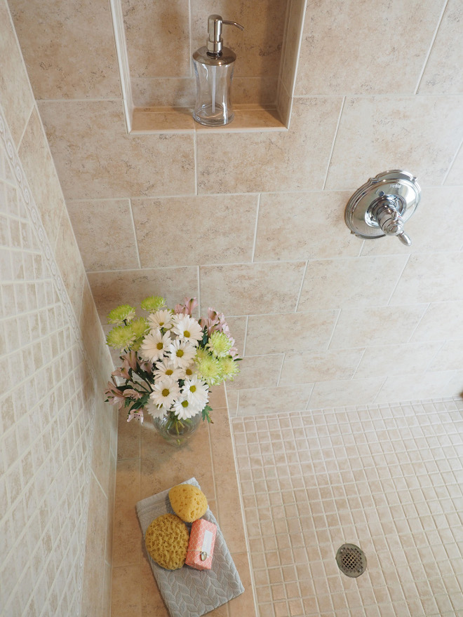 Bathroom tile. Shower Tile. Bathroom tile. Shower Tile Combination. Bathroom tile. Shower Tile Ideas #Bathroomtile #ShowerTile #Tile #Shower #Bathroom Home Bunch Beautiful Homes of Instagram wowilovethat