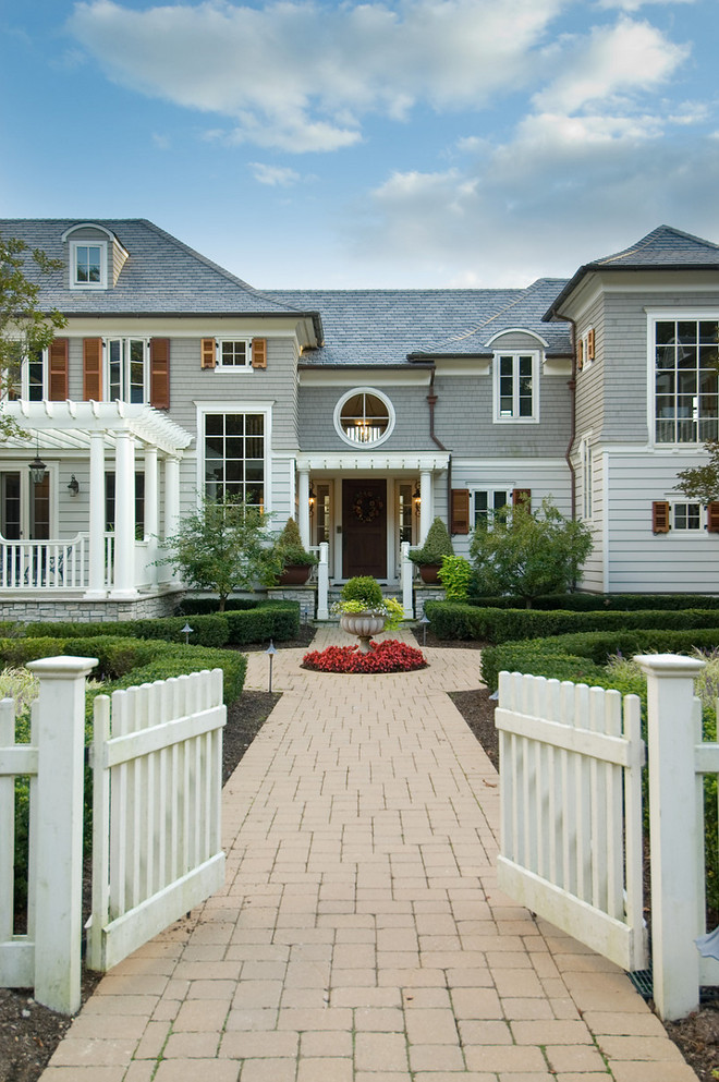 Home exterior. Traditional home exterior. #Traditionalhomeexterior 3homeexteriro #exterior home-exterior Merrick Construction, Inc.