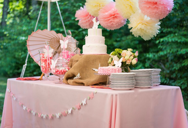 Backyard Birthday Party. Baby Girls Backyard Birthday Party. Backyard Birthday Party Ideas. #BackyardBirthdayParty #BirthdayParty Home Bunch's Beautiful Homes of Instagram peonypartydesigns