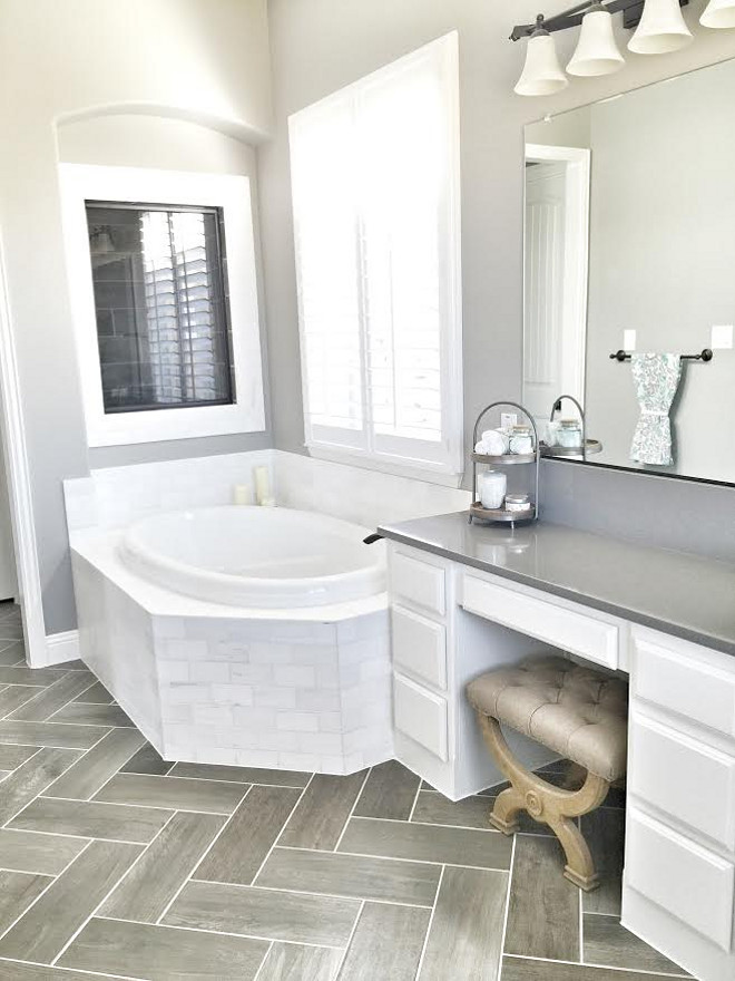 Bathroom tile. Tub surround tile is Daltile M313 Contempo White Honed Marble with Bright White grout. #bathroom #tile Beautiful Homes of Instagram ceshome6