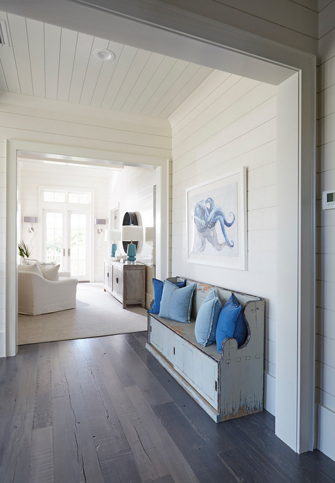 Benjamin Moore OC 17 White Dove. Best off white paint color by Benjamin Moore. Benjamin Moore OC 17 White Dove <Benjamin Moore OC 17 White Dove> #BenjaminMooreOC17WhiteDove benjamin-moore-oc-17-white-dove