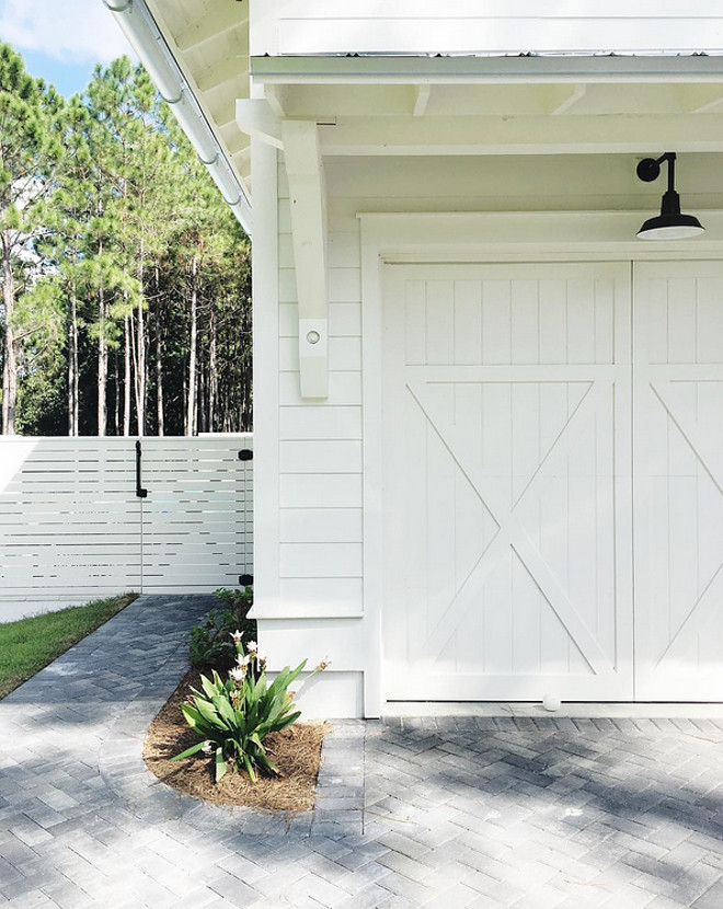 Benjamin Moore OC 17 White Dove Exterior Paint. Popular Paint Color Benjamin Moore OC 17 White Dove Exterior Paint #BenjaminMooreOC17WhiteDove #BenjaminMooreOC17 #BenjaminMooreOC17WhiteDove #BenjaminMooreOC17WhiteDove #ExteriorPaint benjamin-moore-oc-17-white-dove-exterior-paint @our_coastal_farmhouse