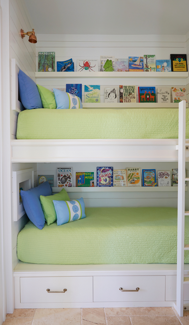 Bunk beds bookshelves. Bunk room bunk beds bookshelves. What a clever idea! Bunk beds with sleek floating bookshelves. bunk-beds-with-bookshelves #Bunkbeds #bookshelves #Bunkroombunkbeds #bunkbedsbookshelves