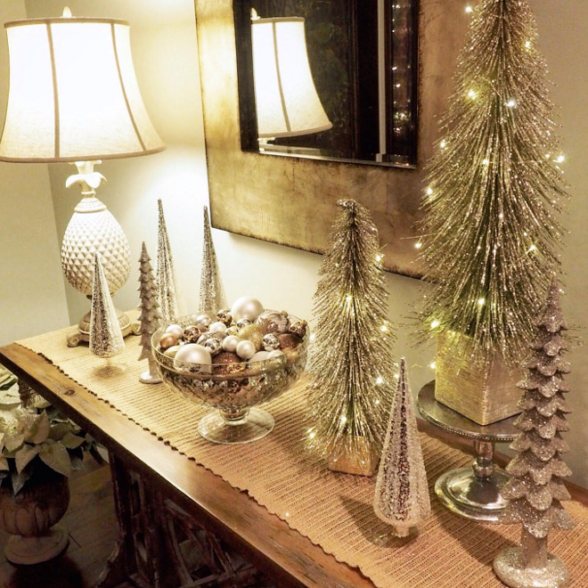 New 2016 christmas decorating ideas home bunch interior for Foyer christmas decorating ideas