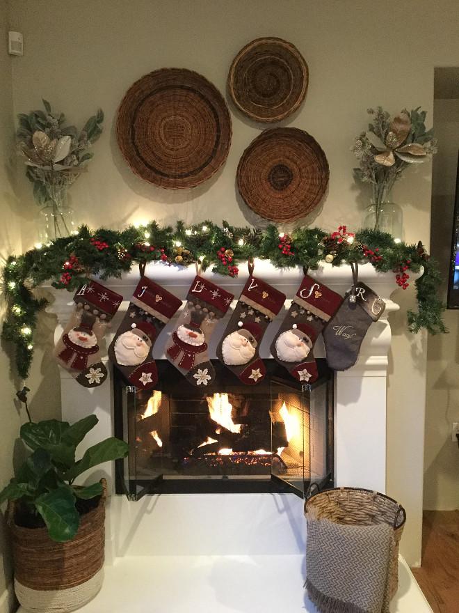 Farmhouse Christmas Mantel Decor. Farmhouse Christmas Mantel Decor Ideas. #FarmhouseChristmasMantelDecor Jordan from @i_heart_home_design via Instagram