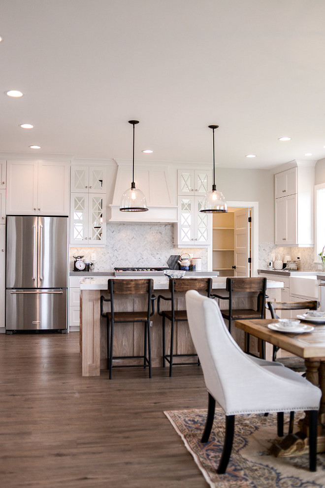 SW7014 Eider White by Sherwin Williams. White kitchen paint color SW7014 Eider White by Sherwin Williams. #SW7014EiderWhiteSherwinWilliams #whitekitchenpaintcolor #kitchen #whitepaintcolor Millhaven Homes