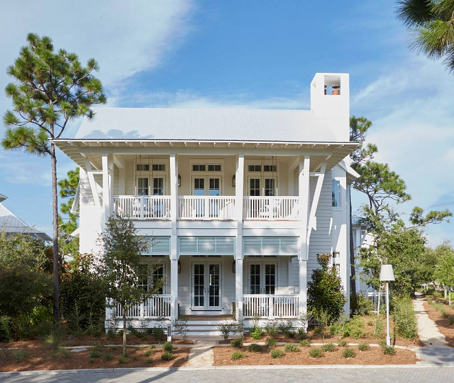 White beach house. Florida beach house. This white beach house is full of great architectural details, inside and out! #beachhouse #whitebeachouse florida-beach-house-architecture Geoff Chick & Associates