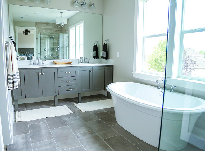 Master Bathroom Laout. Bathroom layout. The master bathroom is not huge but this layout is very smart! #bathroomlayout Millhaven Homes