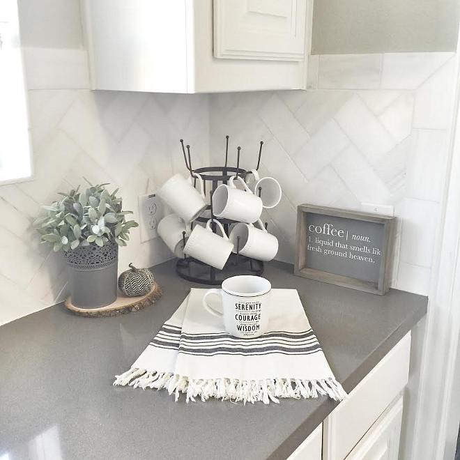 Grey quartz. Deep grey quartz countertop. Grey Expo Silestone Quartz 4 cm square edge. Countertop. #GreyExpo #SilestoneQuartz #4cm #squareedge #greyquartz #countertop Beautiful Homes of Instagram ceshome6