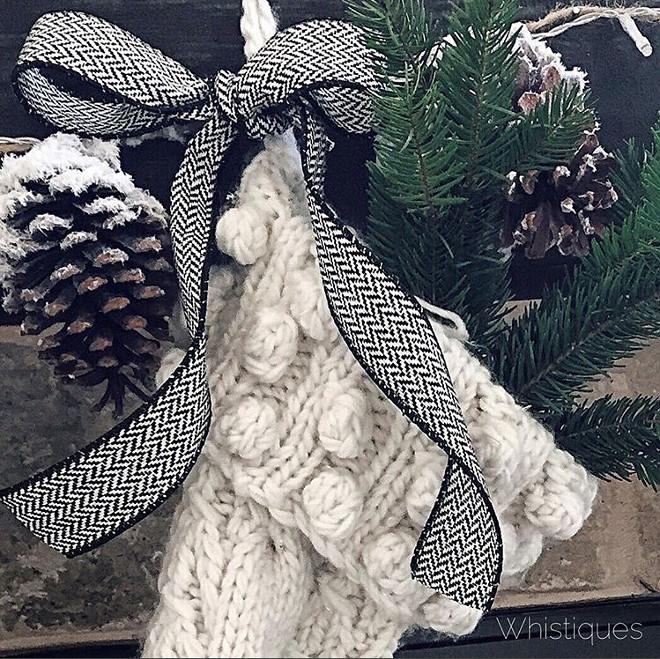 Herringbone Bowl on Crochet Christmas Stockings. Christmas Stockings with herringbone bowl. Herringbone Bowl on Crochet Christmas Stockings #HerringboneBowl #CrochetChristmasStockings Whistiques Design via Instagram @whistiques
