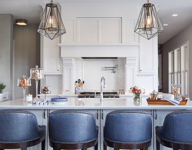 Sherwin Williams SW7014 Eider White. White kitchen cabinet paint color Sherwin Williams SW7014 Eider White. Sherwin Williams SW7014 Eider White #SherwinWilliamsSW7014EiderWhite #SherwinWilliamsSW7014 #SherwinWilliamsEiderWhite Vivid Interior Design