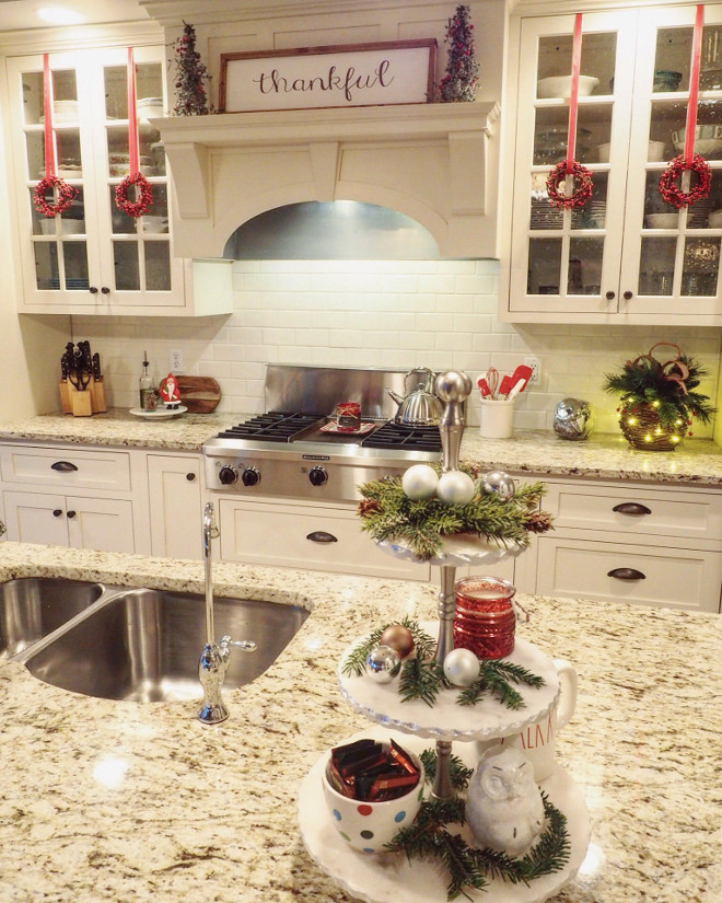 Kitchen Christmas Decor. Kitchen Christmas Decor Ideas. Kitchen Christmas Decor #KitchenChristmasDecor #KitchenChristmasDecorIdeas #KitchenChristmasDecoratingIdeas Kelly via @wowilovethat.