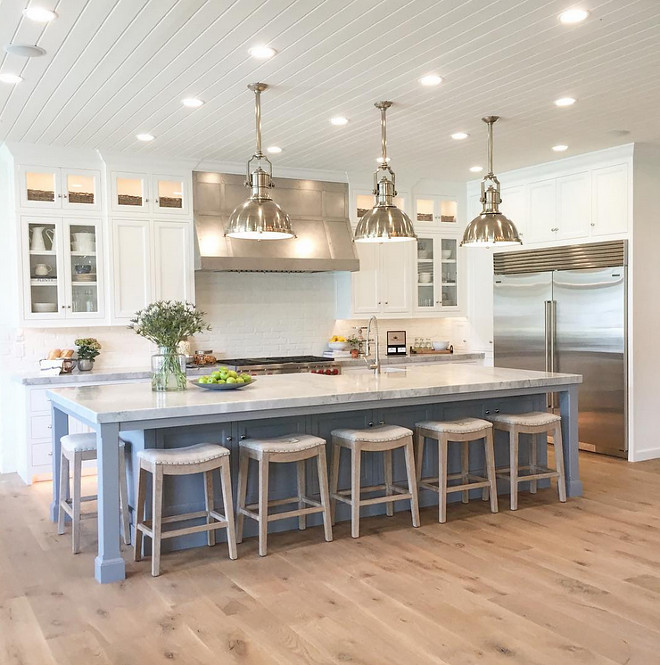 Kitchen Flooring. Wide plank white oak Kitchen Flooring. Gorgeous kitchen with Wide plank white oak flooring. #Wideplank #whiteoak #Kitchen #Flooring Caitlin Creer Interiors. Lane Myers Construction