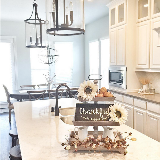 Kitchen island fall decor. Easy ideas for Farmhouse Kitchen island fall decor. Farmhouse Kitchen island fall decor. #Kitchenisland #falldecor #decor #farmhousedecor Beautiful Homes of Instagram ceshome6