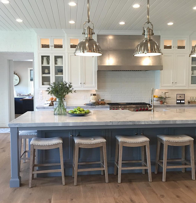Kitchen Trends: Kitchen with painted brick backsplash and shiplap ceiling. New Kitchen Trends: Kitchen with painted brick backsplash and shiplap ceiling #KitchenTrends #Kitchen #paintedbrick #paintedbrickbacksplash #kitchenshiplapceiling #shiplap #ceiling #shiplapceiling #kitchentrendideas kitchen-with-painted-brick-backsplash-and-shiplap-ceiling