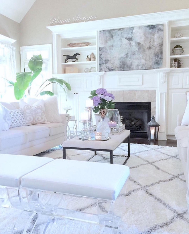 Living room decor. Living room decor ideas. Beautiful and neutral Living room decor. #Livingroom #decor living-room-decor Home Bunch Beautiful Homes of Instagram @blountdesigns