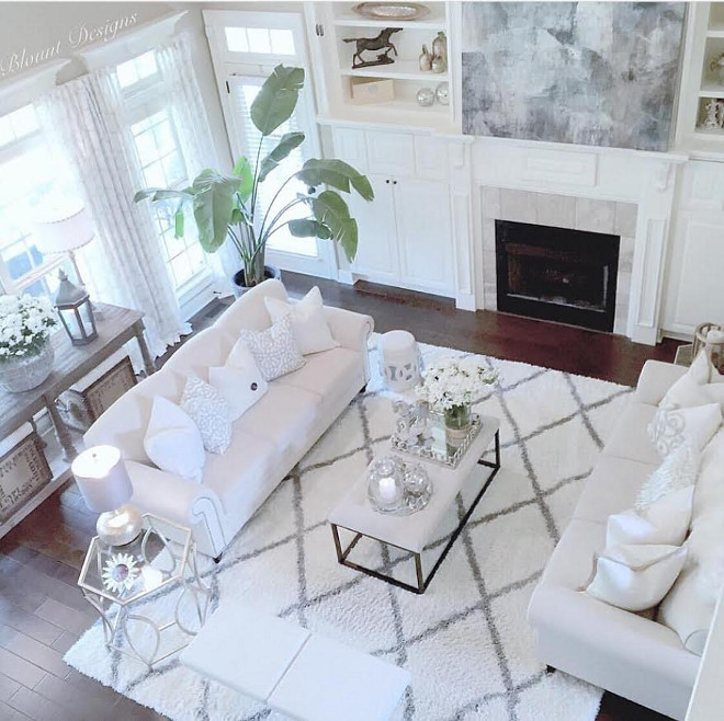 Living room funirture layout. The furniture layout in this living room is just perfect. Living room funirture layout ideas. Living room funirture layout #Livingroomfunirturelayout #Livingroom #funirturelayout Home Bunch Beautiful Homes of Instagram @blountdesigns