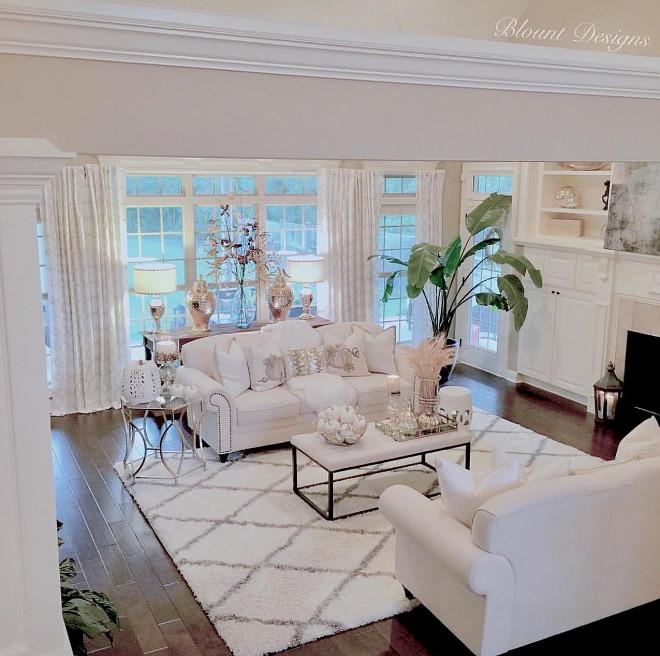 Lifing room rug. Diamond Rug. Diamond Shag Rug, Rugs USA. #rug #livingroom #livingroomrug #diamondRug living-room-rug Home Bunch Beautiful Homes of Instagram @blountdesigns