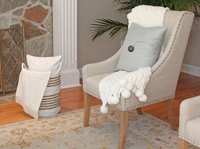 Livingroom chair styling. Livingroom chair styling ideas. Adding pillows and throws to living room chairs. Livingroom chair styling #Livingroom #chairstyling living-room-chair-styling Home Bunch's Beautiful Homes of Instagram peonypartydesigns