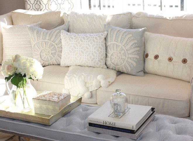 Living room pillow styling. Living room pillow styling ideas. Pillows are from HomeGoods. Living room pillow styling #Livingroomstyling #Livingroompillowstyling Home Bunch's Beautiful Homes of Instagram peonypartydesigns