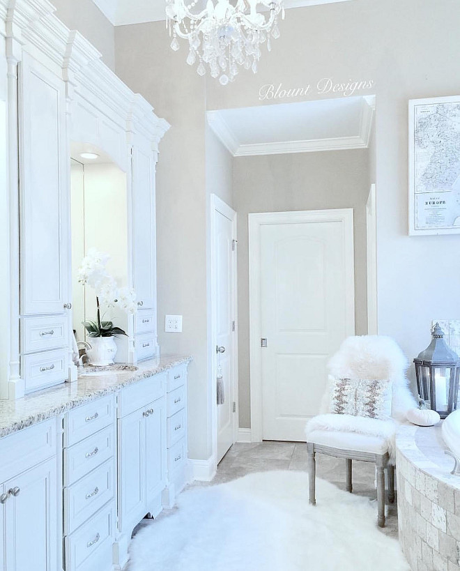 This bathroom is serene and well designed. Paint color is Sherwin Williams Perfect Greige. Home Bunch Beautiful Homes of Instagram blountdesigns
