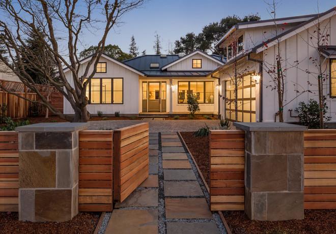 Modern Farmhouse Gate. Modern Farmhouse Front Gate. Modern Farmhouse Gate Ideas #ModernFarmhouse #Farmhouse Urban WestGate modern-farmhouse-gate-ideas