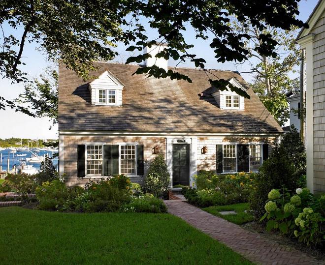 Nantucket style shingle cottage. Nantucket style shingle cottage exterior. Nantucket style shingle cottage ideas. Nantucket style shingle cottage #Nantucketstyleshinglecottage #cottage Patrick Ahearn Architect