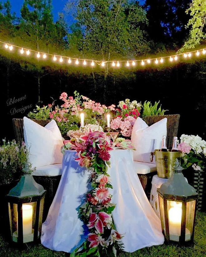 Romantic Dinner for Two. Can you imagine having a romantic dinner al fresco for two like this? romatic-al-fresco-dinner Home Bunch Beautiful Homes of Instagram blountdesigns