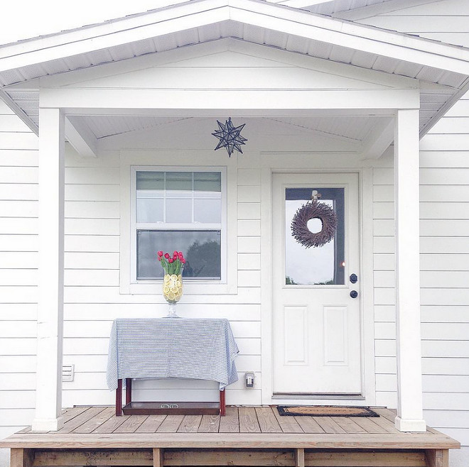 Sherwin Williams Extra White. Sherwin Williams Extra White exterior paint color Sherwin Williams Extra White #SherwinWilliamsExtraWhite sherwin-williams-extra-white