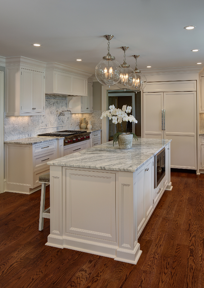 Kitchen Lighting. Kitchen island lighting. Kitchen island lighting is Sorenson lanterns from Remains Lighting. sorenson-lanterns-from-remains-lighting #kitchen #lighting #kitchenlighting #kitchenislandlighting #Sorensonlantern #RemainsLighting W Design