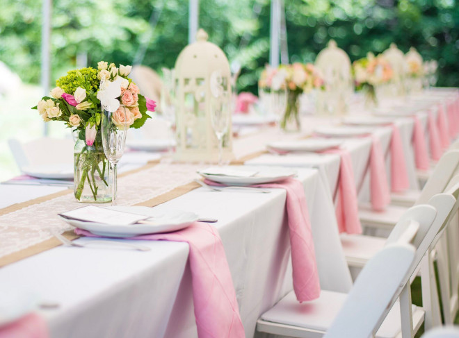 Wedding Table Setting. Backyard weeding or party table decor. The table featured stunning white and pink decor. Home Bunch's Beautiful Homes of Instagram peonypartydesigns