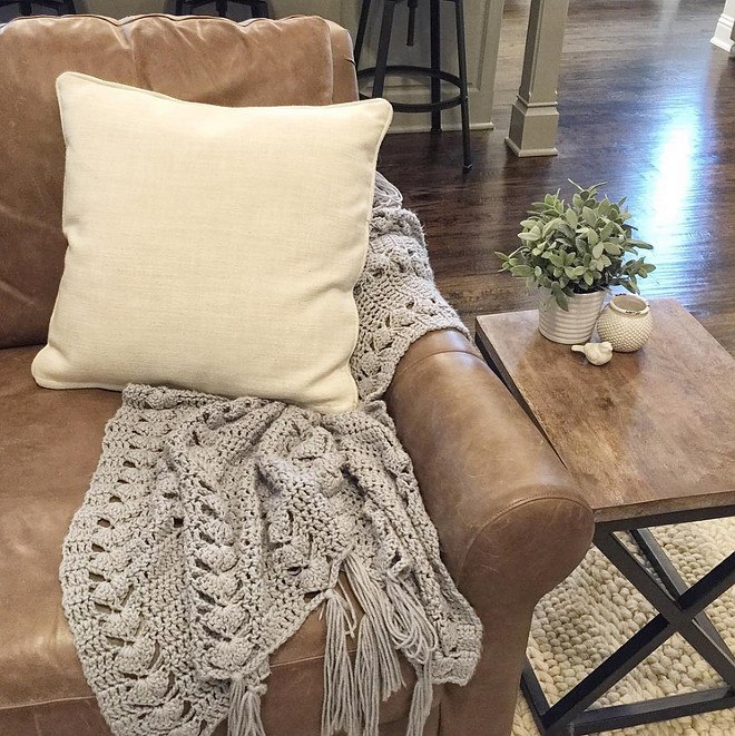 Sofa Throw. DIY Sofa Throw. DIY Throw #Throw #DIY Beautiful Homes of Instagram ceshome6
