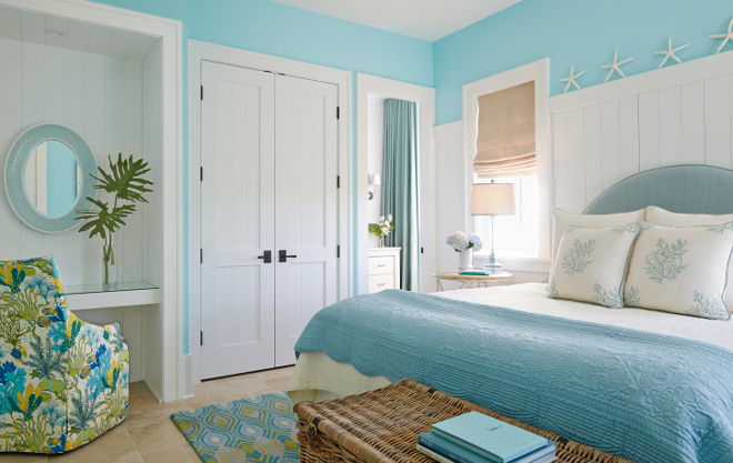 Turquoise bedroom. Turquoise bedroom with white wall paneling. I love this turquoise bedroom with the built-in desk and wall paneling. #turquoise #bedroom #wallpaneling turquoise-bedroom
