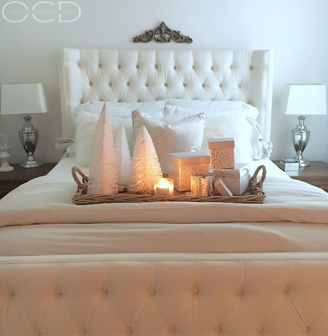 Top 40 Christmas Bedroom Decorations: Beautiful Homes Of Instagram: Christmas Special